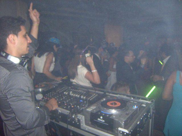 Alquiler de sonido, karaoke, dj, luces y efectos en Lima - Fiestas / Animación - Lima
