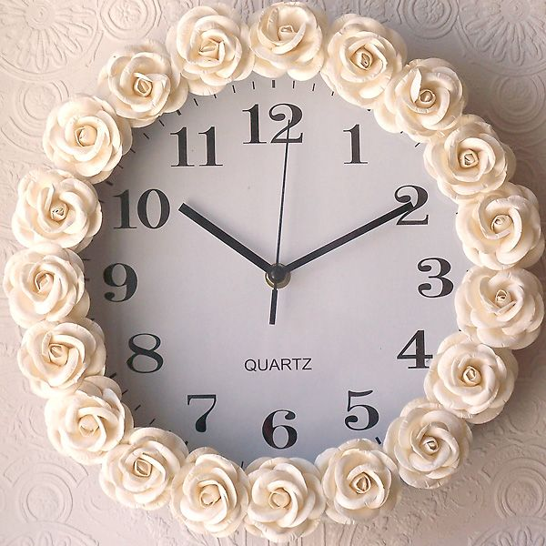 DIY Cream Rose Clock. This would match the rose framed mirror. Nice.