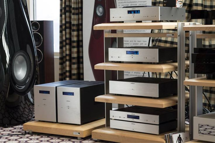 Fotos de sistemas de audio de todo tipo / Pictures of Audio Settings / Аудио-системы в фотографиях