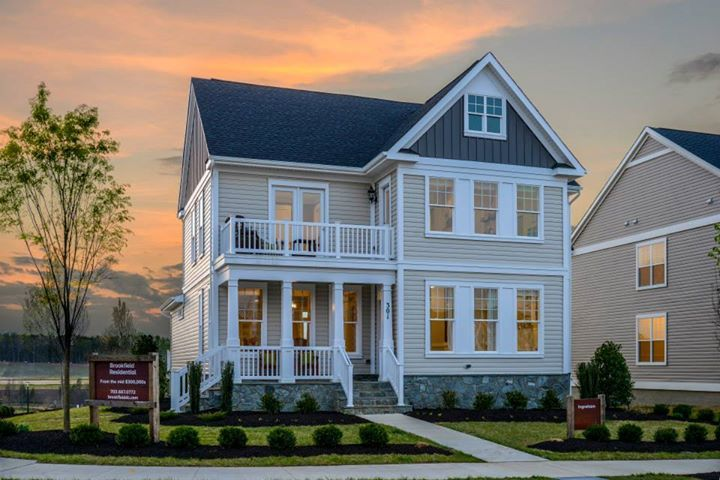 Beautiful sunset over the Ingraham Model by Brookfield Residential.