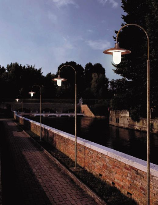 Check out this Il Fanale Italian Lamppost just £667.24 - Lampioni Lampposts. For more information visit: http://www.outdoor-lighting-centre.co.uk/fanale-italian-lampposts-p-962.html