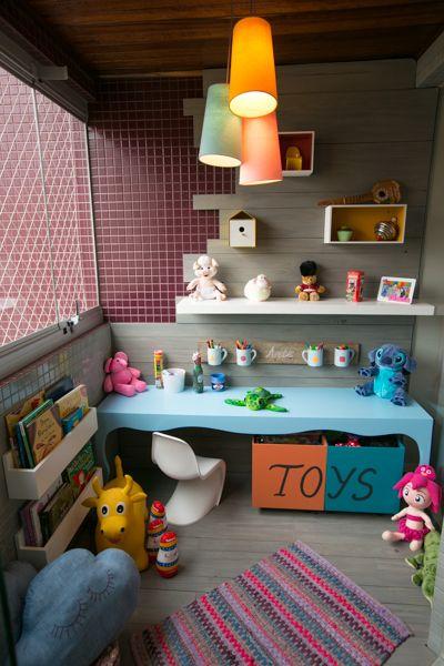Como organizar os brinquedos mesmo com pouco espaço - Mamãe Prática