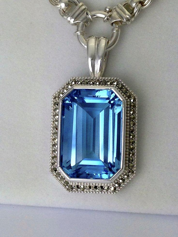 Silver and aquamarine pendant