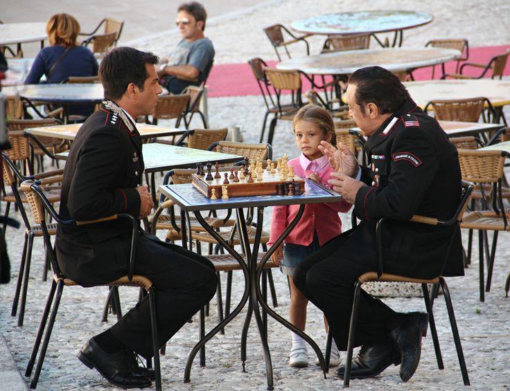 Shooting Don Matteo9 in Spoleto. Captain Guilio Tommasi (Simone Montedoro) and mareciallo Checchini (Nino Frassica) with the captain's daughter Martina (Emma Reale)