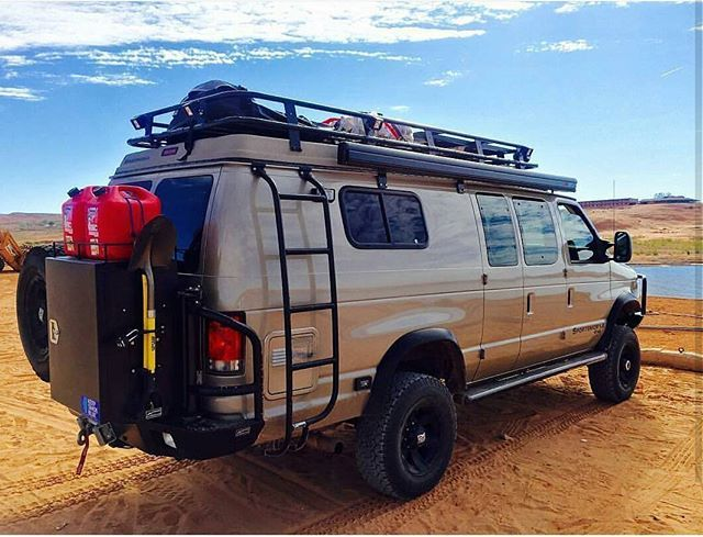Beautiful shot of a Sportsmobile loaded with Aluminess gear!  Thanks to @klari.fied and @sportsmobiles for the pic! @sportsmobilewest  #aluminess #roofrack #ladder #bumper #vanlife #adventuremobile #adventurevan #campervan #sportsmobile #homeiswhereyouparkit #4x4 #offroad #go_van_com #4x4van  #lakepowell
