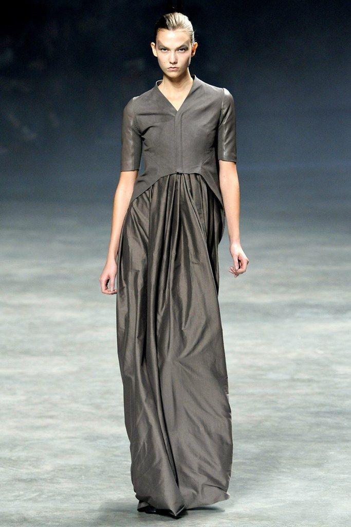 Rick Owens Spring 2011 Ready-to-Wear Fashion Show - Karlie Kloss (IMG)