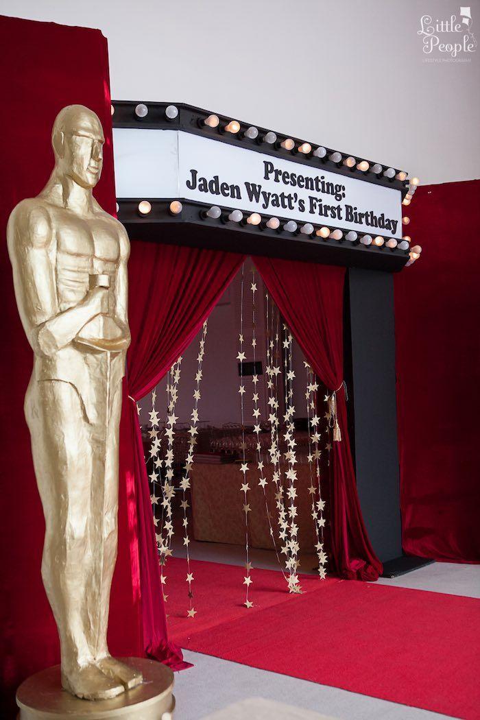entrance to a hollywood oscars inspired 1st birthday party via karas party ideas karaspartyideas - Hollywood Party Decorations
