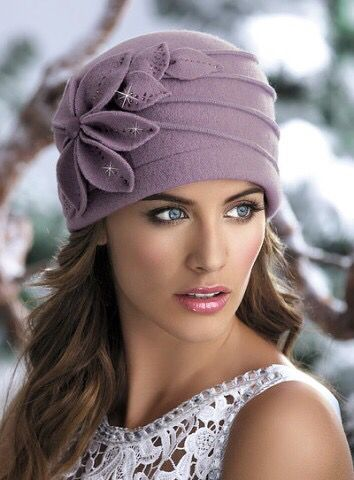 Love the stylish look of this cap. It looks so soft, too!