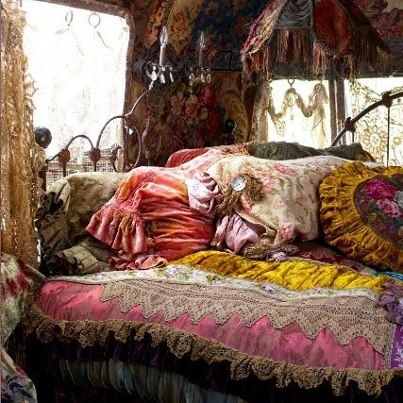 feels Bohemium  - love all the pillows and textures