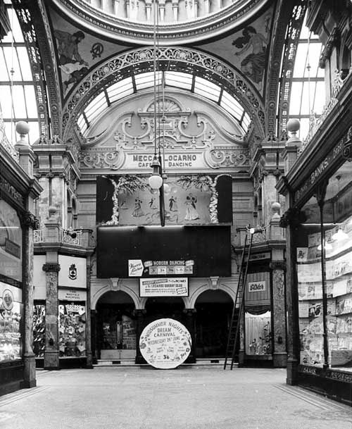 early 1960s, looking from Cross Arcade into County Arcade to the front of the Mecca Locarno Ballroom. This dancehall had opened on 3rd November 1938. Mecca closed in 1969 (a new venue had been opened in 1964 in the Merrion Centre). It became The Stone in 1983 then a cafe in 1994
