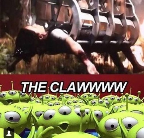 Lol haha funny pics / pictures / Toy Story / Hunger Games Humor / Catching Fire / Katniss / Disney Humor / Jokes / THE CLAW!