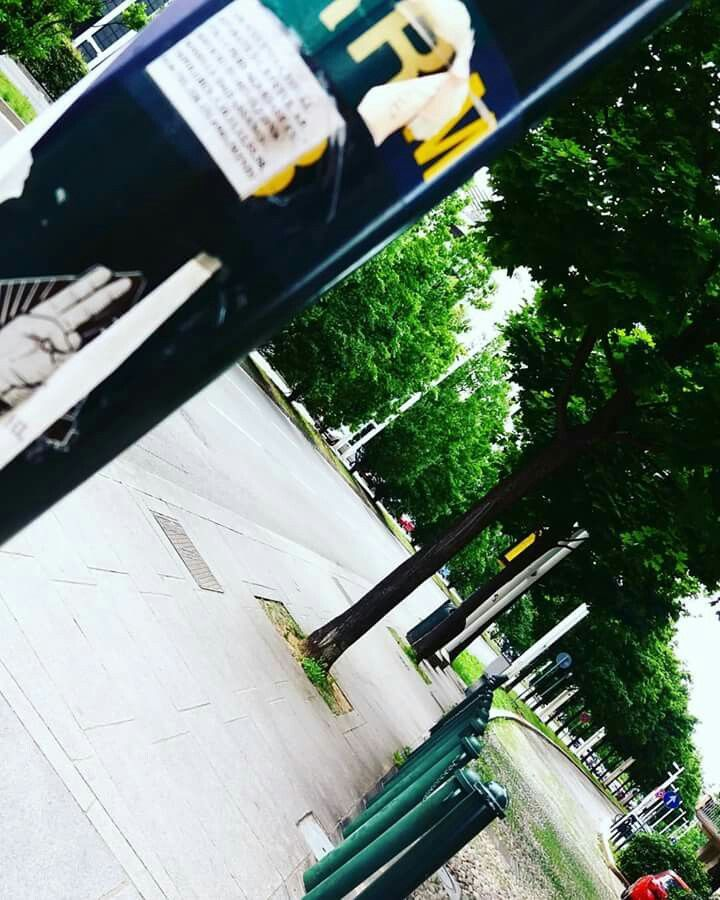 Strade di città a piedi ... tra i pensieri   LI●X