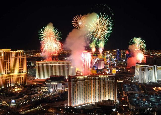 What To Do In Las Vegas For Chinese New Years Eve 2019 New Years Eve In Las Vegas Cheap Las Vegas Hotels Vegas New Years