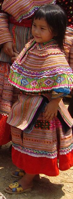 flower Hmong girl   - Explore the World with Travel Nerd Nici, one Country at a Time. http://TravelNerdNici.com