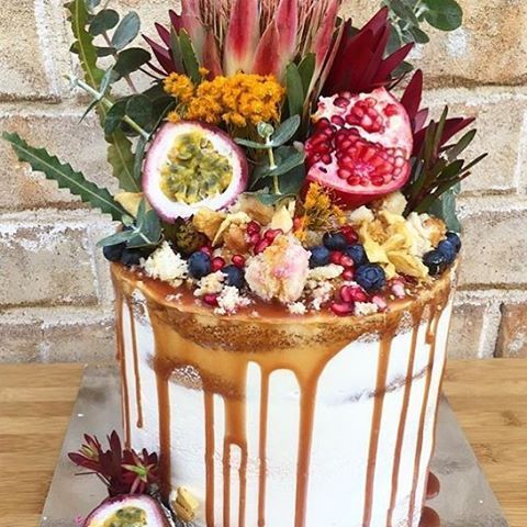 Whether you're a fruity or decadent kind of sweet tooth @dessertswithlynda had you covered with this amazing cake   #SydneyFoodie #FoodPorn #cbsshomemade
