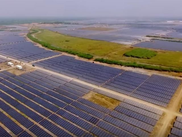 Slideshow: World's largest power plant is here - India owns world's largest solar power plant - The Economic Times