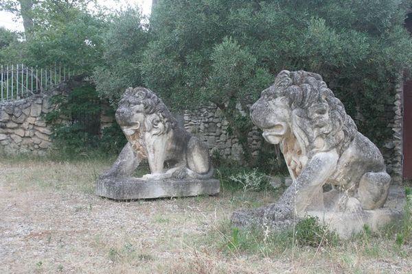 Statues Lions en Pierre Jardin