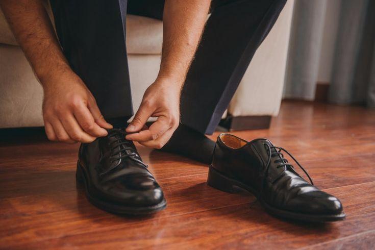 Zapatos de color negro para el novio    #wedding #bodas #boda #bodasnet #decoración #decorationideas #decoration #weddings #inspiracion #inspiration #photooftheday #love #beautiful #groom #shoes #black