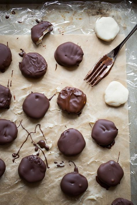 Creamy Dreamy Peppermint Patties (Vegan + GF)