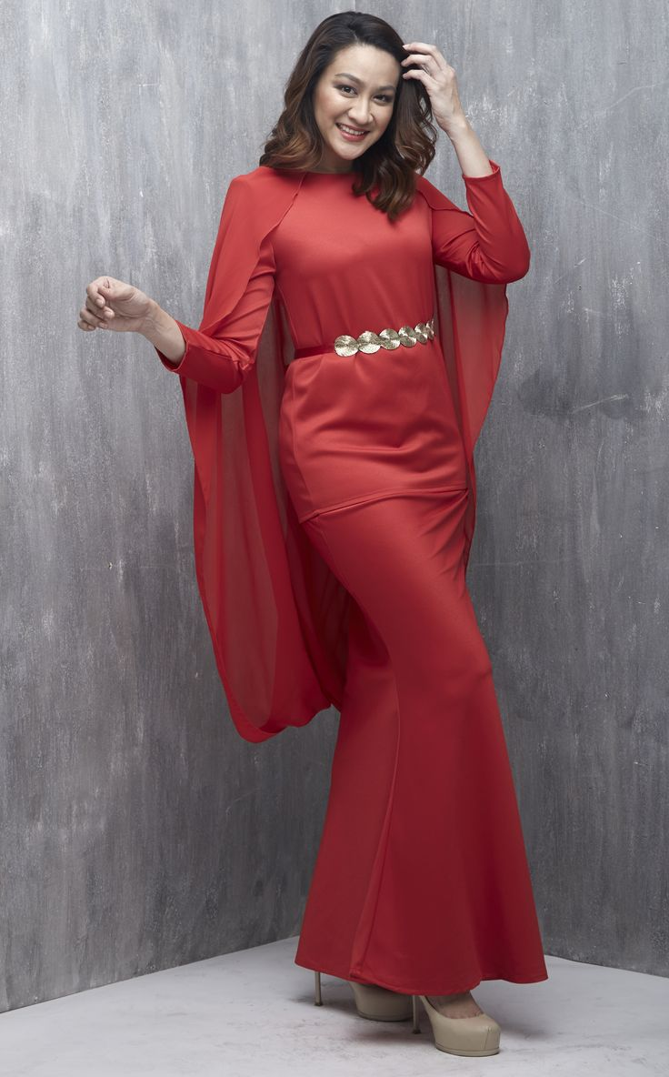 EMEL X DYNAS MOKHTAR - STELLATA - Modern Twisted Cape Baju Kurung (Red) We've elevated the modern baju kurung and glammed it up with a twisted chiffon cape to create a look that is feminine, classy, elegant and modern! #emelxCLPTS #emelxDynasMokhtar #emelbymelindalooi #bajuraya #bajukurung #emel2016 #raya2016 #DynasMokhtar #cape #vest #tudung #red #moden #2016 #baju #kurung #baju #raya