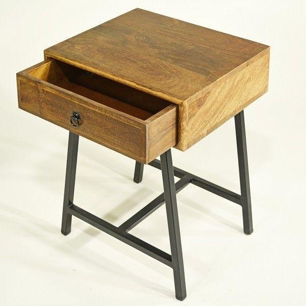 Beistelltisch Oder Nachttisch Retro Oder Vintage Einfach Nur Schon In 2020 Beistelltisch Schubladen Design