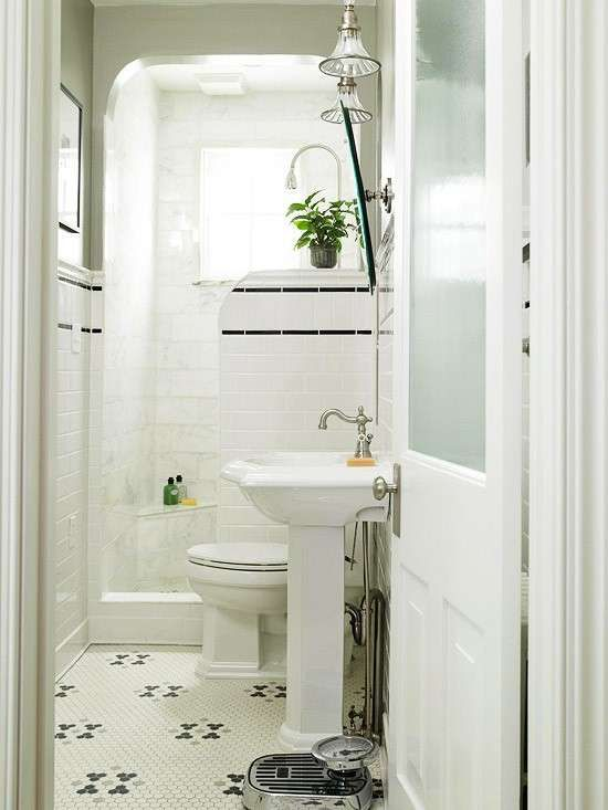 Arredare un bagno lungo e stretto - Bagno stretto e lungo, linee essenziali