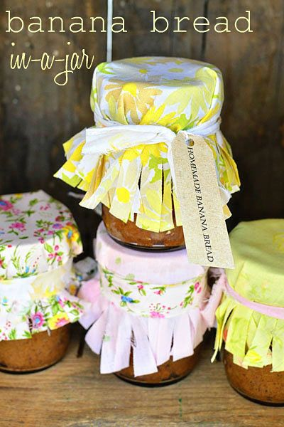 Homemade Banana Bread - wrapped in a beautiful jar! What a great gift idea!!