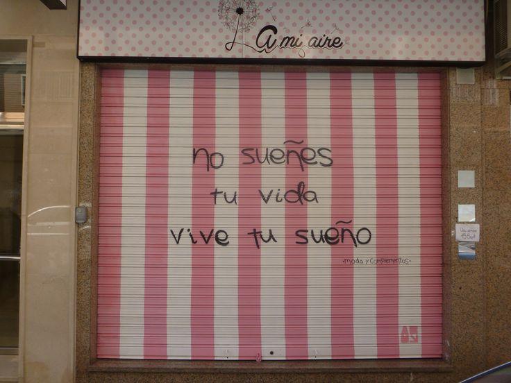 """Decoración exterior """"Moda y complementos A mi aire """" (2014)"""