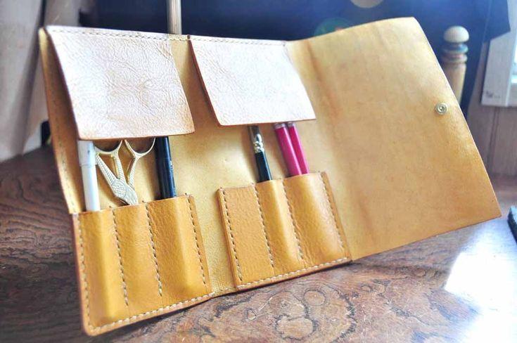 イタリアンオイルレザーアリゾナ・メイクブラシケース(マスタード) | 時を刻む革小物 Many CHOICE