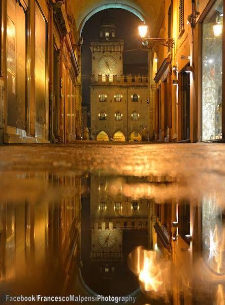 Bologna, Palazzo d'Accursio da via Pescherie Vecchie, foto di Francesco Malpensi Photography