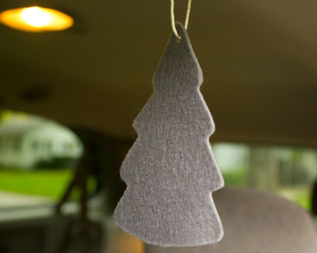 How To Make DIY Car Air Fresheners With Essential Oils