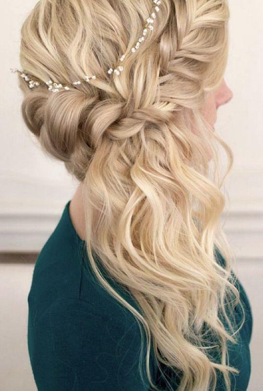 Wedding hairstyle idea; Featured Photographer: Sarah Jayne Photography