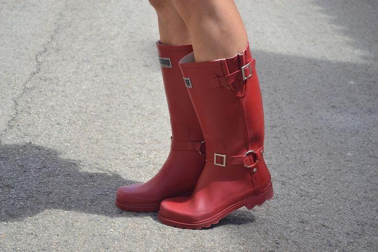 Mis nuevas botas de agua Mustang. Y además sombreros, Villamalea, Albacete, Spain