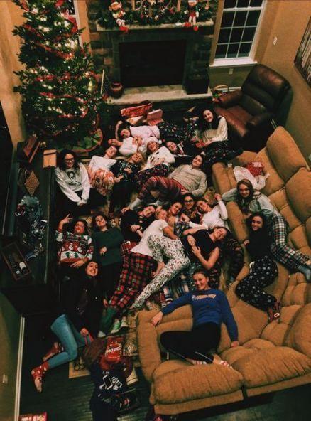 60 Trendy Photography Friends Sleepover Photo Ideas Photography 708472585112011136 Girl Sleepover Christmas Aesthetic Sleepover