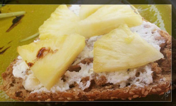 Buna dimineata! Am cazut din pat!:))) Vreti o  idee pentru un mic dejun special? Iata!  Pofta buna!vezi reteta pe emmazeicescu.ro #gatestesizambeste #zeiceascainbucatarie #emmazeicescro