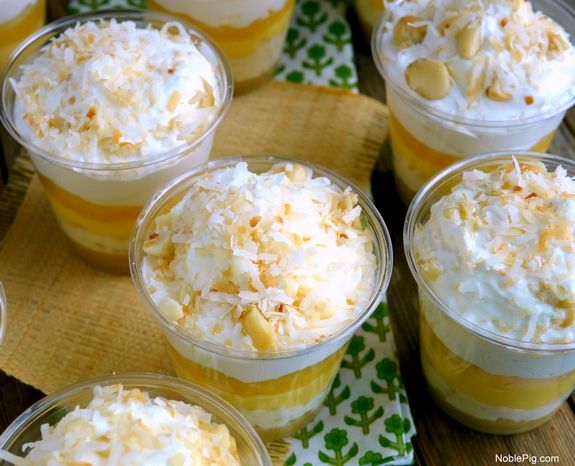 No Bake Hawaiian Dream Dessert Cups!  These luscious pineapple cups are amazing!