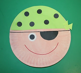 P is for pirate paper plate art
