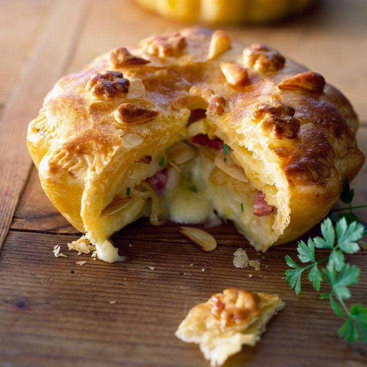 Découvrez la recette Tourte à la tartiflette sur cuisineactuelle.fr.