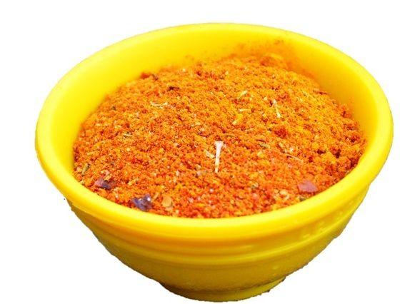 Harissa kruidenmix. Kan ook gemengd worden met olijfolie voor een marinade of met yoghurt of mayonaise voor een dipsausje.