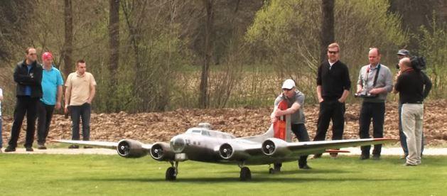 Aluminum Overcast — 19-Foot B-17 Flying Fortress