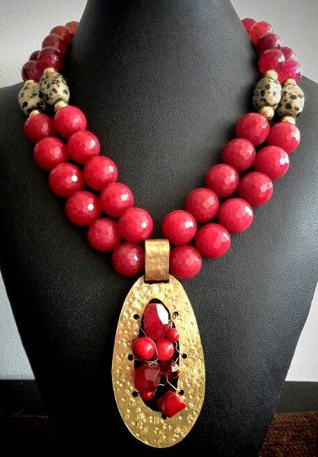 Hermoso #collar #necklace #rojo en #agatasfaceteadas y #leopardinas herraje en…