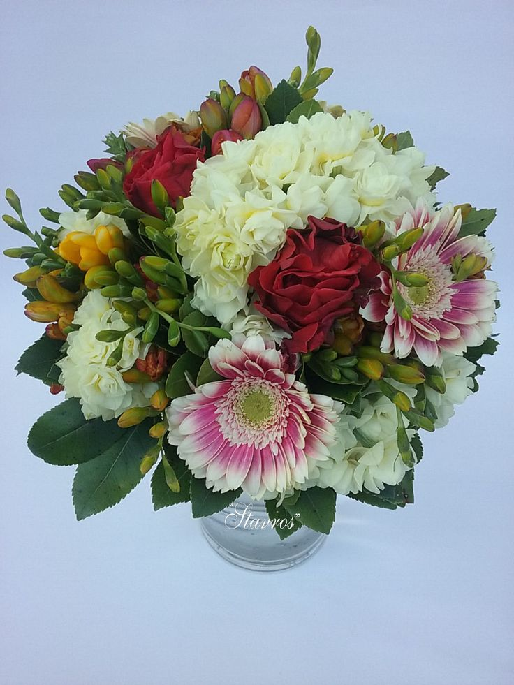 #sreasonal#bouquet#ranunculus#gerbera#narcissus#roses