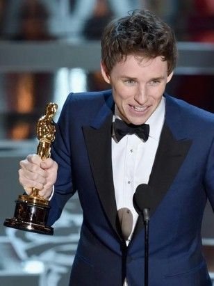 2/24/15  2:43a  The 87th  Annual Academy Awards Ceremony 2015: Eddie Remayne   Best Actor Oscar for   ''The Theory of Everything''   intouch.wunderweib.de 2014