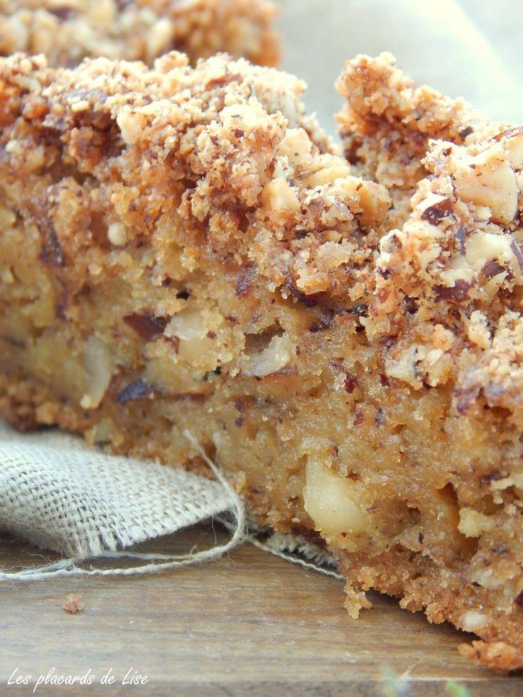 Voici une gourmandise aux tonalités automnales! Aujourd'hui je vous propose la recette d' un délicieux gâteau moelleux et croust...