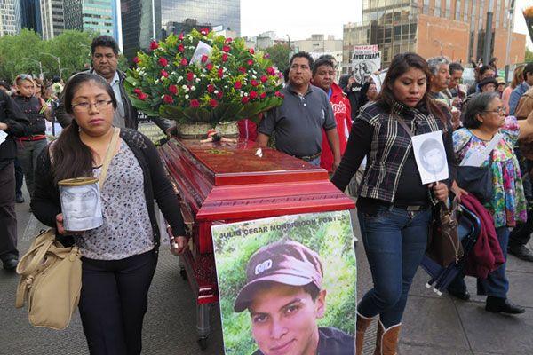 Celular de normalista desollado en Iguala fue usado por el Cisen [Ayotzinapa] - 09/08/2016   Periódico Zócalo