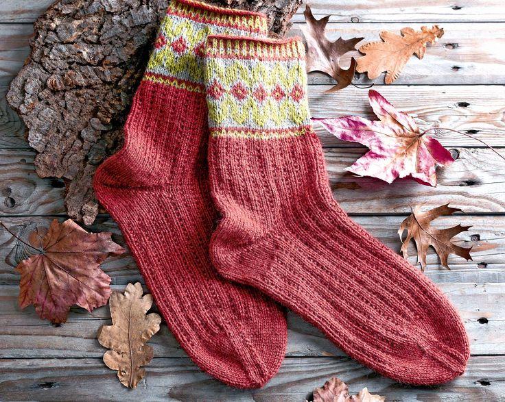 Схема и описание вязания на спицах мужских носков с жаккардовым рисунком из журнала «Сабрина. Специальный выпуск» №8/2015