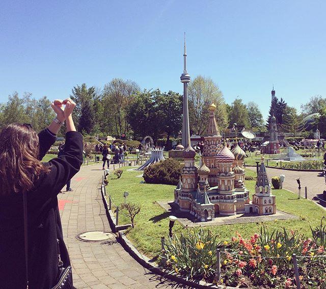 ❤️ #goodmorning #dobrojutro from #minimundus with @fantasiatravel_cro  #yesterday #beautiful #day #klagenfurt #klagenfurtamwörthersee #austria #travel #travelphotography #putovanje #travelgram #travelista #ostrich #traveling #hadokatravels #hadokasheart