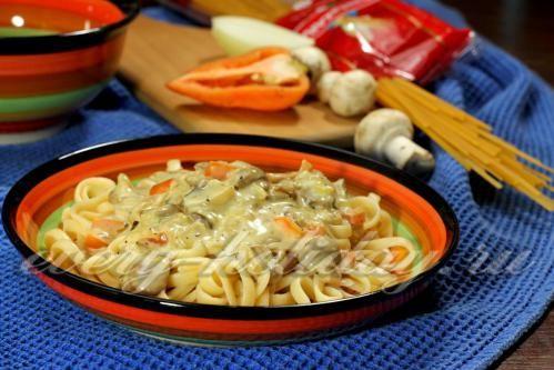 Сметанный соус с грибами и перцем для пасты
