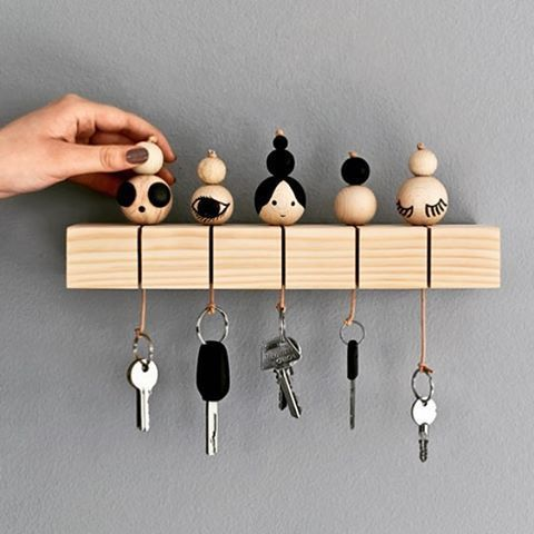 Wooden Beads made into Simple vut Stylish key holders. Absolutely love this idea