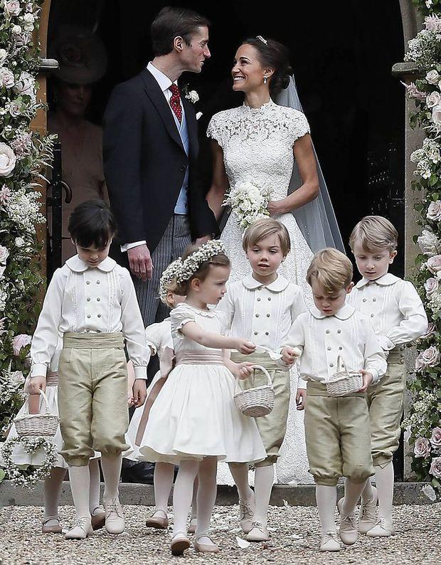 Nicht Uberschatten War Wohl Der Dresscode Fur Die Hochzeit Der Kleinen Schwester Von Herzogin Kate Meghan Pippa Middleton Hochzeit Pippa Middleton Hochzeit